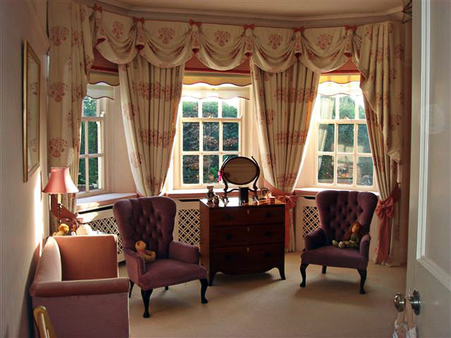 Classic style curtains